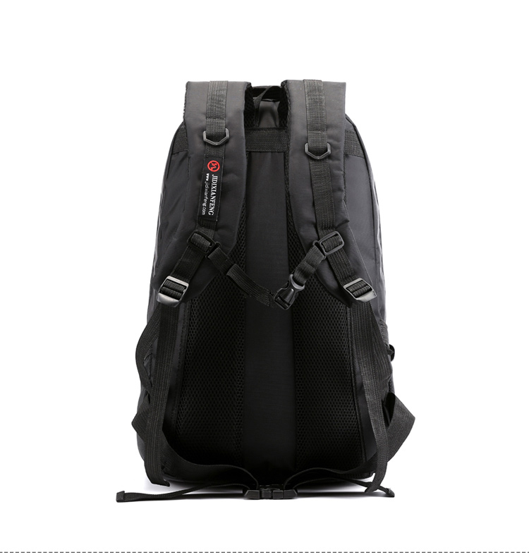 Large-capacity-nylon-travel-backpack-outdoor-climbing-3